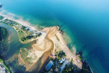 aerial-shot-aerial-view-beach-bird-s-eye-view-587015